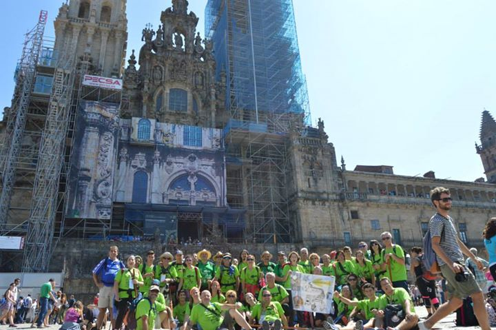 Peregrinos de la Asociación Jacobea de Jaén al término de su peregrinación