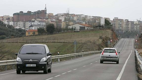 Piden que se cambie la señalización del Camino de Santiago entre Cáceres y el Casar