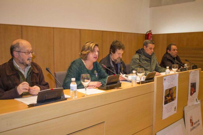 El Ayuntamiento de Ponferrada estudia sanciones por el mal uso de la flecha amarilla que sirve para señalizar el Camino