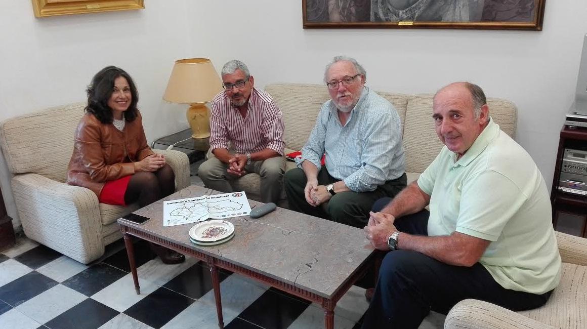 La Diputación recibe a la asociación Amigos del Camino de Santiago en Cádiz