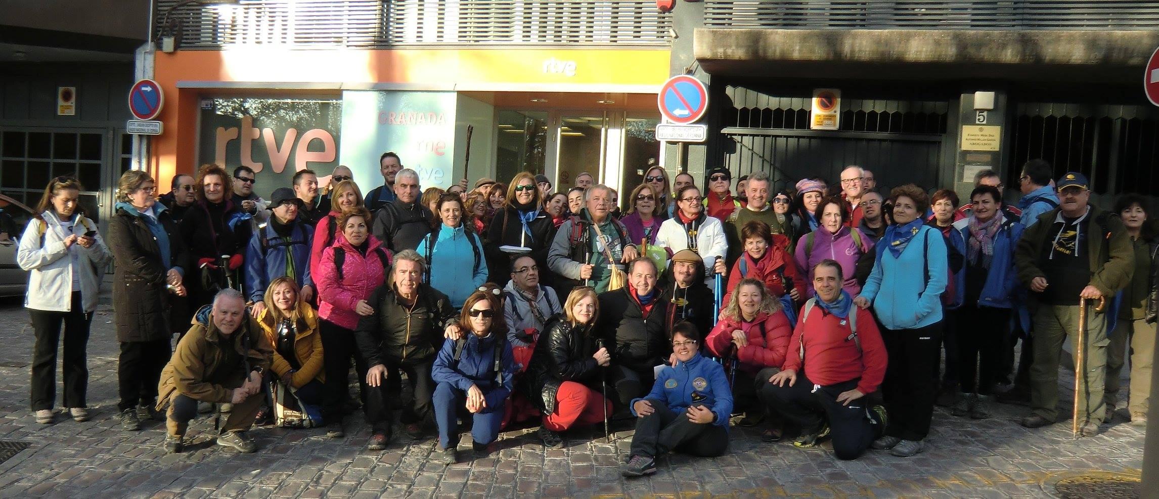 Más de 200 personas de Almería, Granada y Jaén hacen juntos la etapa Quéntar – Granada