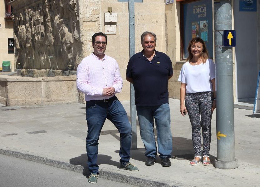 Alcalá la Real renueva sus señales como parte del Camino de Santiago