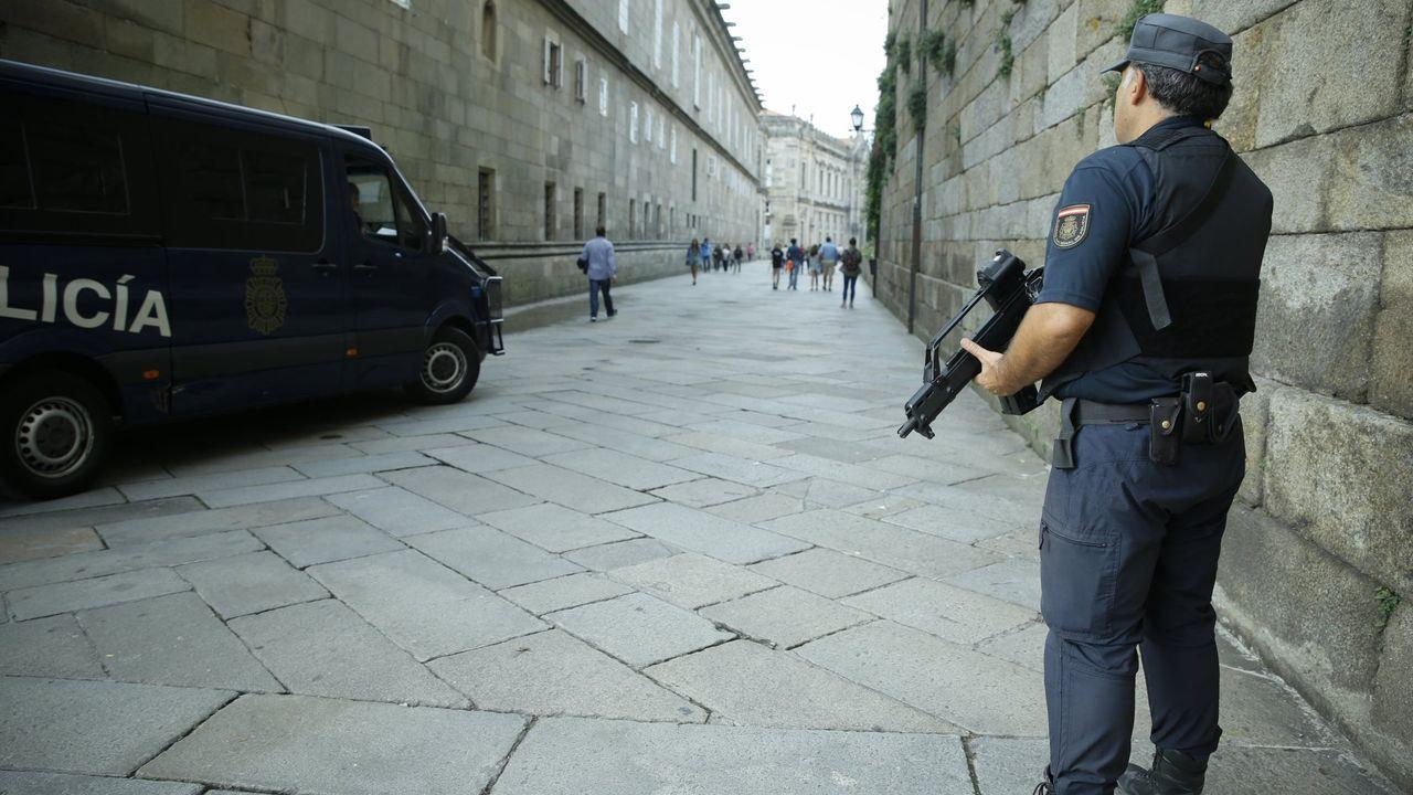 Restricciones en el Obradoiro por el plan de seguridad de los Fuegos y la Ofrenda