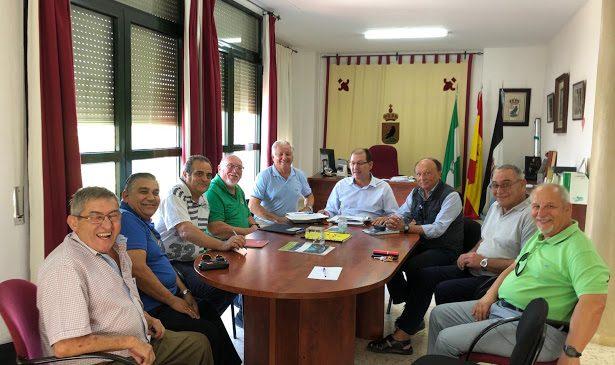 Las Asociaciones de El Puerto y Cádiz se reúne con el ayuntamiento de El Cuervo
