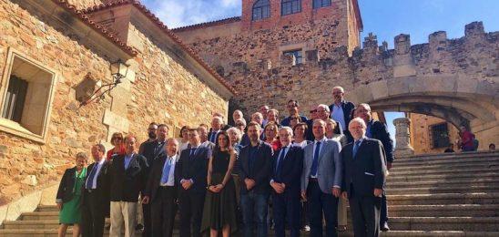 La consejera de Cultura de Extremadura aboga por continuar impulsando la Vía de la Plata como recurso turístico y cultural